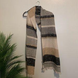 NWT American Eagle Striped Blanket Scarf